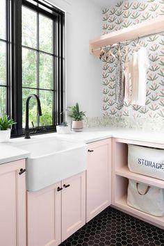 Küchen Design, House Design, Interior Design, Big Modern Houses, Laundry Room Wallpaper, Pink Laundry Rooms, Laundry Room Inspiration, European House, Laundry Room Organization