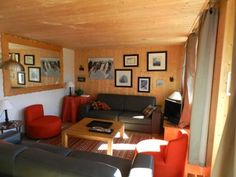 Les Clarines Courchevel Situated in Courchevel, Les Clarines offers self-catering accommodation with free WiFi. Guests benefit from balcony.  There is a dining area and a kitchen. A TV is offered.