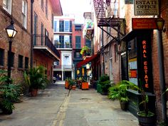 Pirates Alley | Original Photography by Nadine Avola