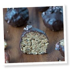 Chocolate Hazelnut Energy Bites - When you need a little pick-me-up that won't cause you to crash shortly after, these little stevia-sweetened energy bites will do the trick! Makes 12 healthy-fat snacks.