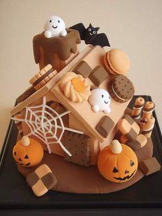 【K様オーダー品】怖くて可愛いハロウィンのお菓子の家 | ホーム&リビング > インテリア小物 > その他インテリア小物 | ハンドメイド・手作り作品の通販、販売 tetote(テトテ)