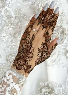 Henna designs - 51 Beautiful Mylanchi designs for hands – Henna designs Henna Hand Designs, Eid Mehndi Designs, Pretty Henna Designs, Wedding Henna Designs, Modern Henna Designs, Khafif Mehndi Design, Indian Henna Designs, Henna Tattoo Designs Simple, Stylish Mehndi Designs