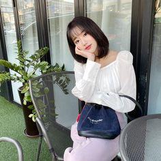 April Kpop, Selfies, Korean Makeup Look, Cute Asian Girls, Ulzzang Girl, Aesthetic Girl, Me As A Girlfriend, Korean Girl Groups, Girl Crushes