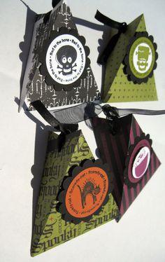 Halloween Treat Boxes --- Halloween Treat Bag set of 12 Halloween Treat Holders, Halloween Goodie Bags, Halloween Favors, Halloween Goodies, Halloween Projects, Halloween Candy, Holidays Halloween, Fall Paper Crafts, Candy Crafts