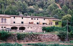 travelers have stopped here on the old road from Palma to Valldemossa, in the Sierra de Tramuntana, since ancient times. Open Fireplace, Valley View, Moorish, Double Beds, How To Level Ground, Kitchen Styling, Bird Watching, B & B, Us Travel