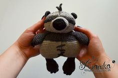 Little PO i inspired on a little plush from the KUNG FU PANDA 2 movie - Free Amigurumi Pattern here: http://krawka.blogspot.de/2014/09/polittle-little-po-part-2.html