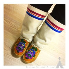 #Mukluks made by Yvonne Doolittle's mama! So #beautiful! Happy Election Day to our US cousins.
