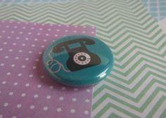 Petit Aimant magnet rond 'Téléphone rétro vintage' 25 mm : Accessoires de maison par tiboudpapier