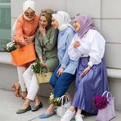 Modest Fashion Hijab, Casual Hijab Outfit, Muslim Fashion, Casual Outfits, Hijab Fashionista, Hijab Fashion Inspiration, Stylish Girls Photos, Muslim Girls, Winter Fashion Outfits