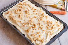 Tot voorheen was de carrot cake van Ottolenghi onovertroffen, maar deze variant met sinaasappel en walnoten brengt mijn standpunt tot wankelen. Help! Ik kan