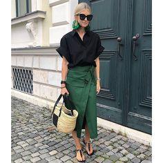 European Street Style, Street Style Summer, Fashion 2020, Daily Fashion, 70s Fashion, Fashion Tips, Summer Minimalist, Iranian Women Fashion, Mode Style
