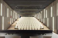 Salon de actos del Basque Culinary Center. San Sebastian