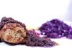Rosmarinrouladen, Baukraut, Kartöffelchen und eine wunderbare selbstkreierte Soße, nicht nur farblich ein Festschmaus, das Weihnachtsessen bei Cookies n'Style