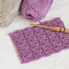 Learn how to crochet the sturdy and beautifully textured Side Saddle Stitch with this easy tutorial!.. Perfect for all beginners!