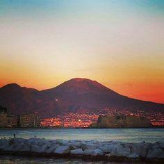 Buongiorno da #Napoli; Good morning from #Naples; Buenos días desde #Nápoles; Bom dia de Nápoles.  #Campania #Italia #Italy #SouthItaly #Sud #foto_italiane #scatti_italiani #italian #foto_napoli #igersitalia #igerscampania #igersnapoli #ig_napoli #foto_napoli #napolipix #Brasile2014 #ForzaNapoliSempre ♡