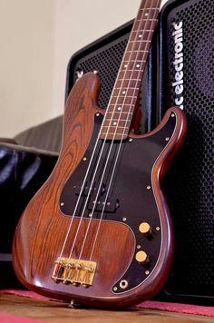 Fender P bass Custom Shop Model