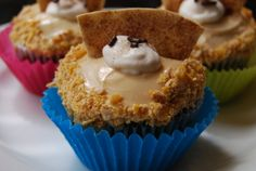 Mexican Fried Ice Cream Cupcakes by Monster Mama Ice Cream Cupcakes, Ice Cream Treats, Ice Cream Toppings, Cream Cake, The Pioneer Woman, Pioneer Women, Tasty Kitchen, Ree Drummond, Yummy Treats