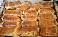 Pastry And Bakery, Bread Baking, Hot Dog Buns, Banana Bread, Sweets, Breakfast, Desserts, Breads, Kitchens