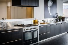 #keukenstudiomaassluis #keuken #johnstone #zwart #blackkitchen #keukens #kellerkeuken #kellerkeukens #keller #kellerkitchen #kellerkitchens #kitcheninspiration #keukeninspiratie #droomkeuken #pinuwdroomkeuken (scheduled via http://www.tailwindapp.com?utm_source=pinterest&utm_medium=twpin&utm_content=post32688044&utm_campaign=scheduler_attribution)