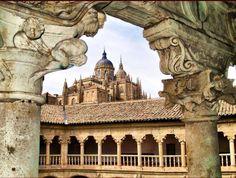 Convento de las Dueñas Salamanca Spain Beautiful Sites, Spain Travel, Barcelona Cathedral, Taj Mahal, Past, Places To Go, Europe, Architecture, World