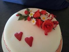 Cake for Valentin's day - close up of roses