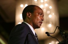DESTINY Magazine - Patrice Motsepe's newly formed investment firm African Rainbow Capital (ARC) has acquired a stake in upmarket Paarl residential estate Val de Vie Wealthy People, Rich People, Black People, Black Economic Empowerment, Sunday Times Newspaper, Investment Firms, Destiny, Work Hard, South Africa