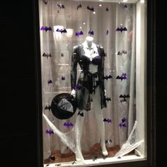 Halloween window display, lingerie Putiikki Bra