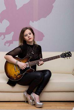 Girl With Guitar Eliana