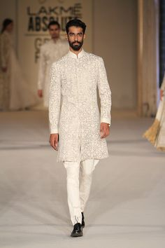 Rohit Bal at Lakmé Fashion Week summer/resort 2016 Mens Indian Wear, Mens Ethnic Wear, Indian Groom Wear, Indian Men Fashion, Mens Fashion, Wedding Dresses Men Indian, Wedding Dress Men, Wedding Wear, Wedding Ceremony
