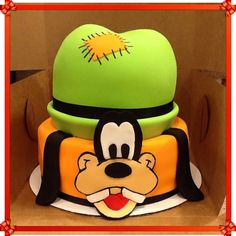 Disney's goofy cake Baby Minnie Mouse Cake, Mickey Mouse Cupcakes, Mickey Cakes, Cupcakes Kids, Birthday Party Tables, Cool Birthday Cakes, Birthday Fun, Birthday Ideas, Disney World Birthday