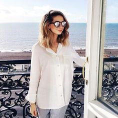This Rumour About Zoella Is Really Pretty Disturbing Zoella Outfits, Zoella Beauty, Zoe Sugg, Girl Online, Woman Crush, Beautiful People, Celebrity Style, Celebrity Dads, Short Hair Styles