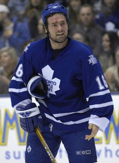 Darcy Tucker (1999-08) Hockey Baby, Ice Hockey, Maple Leafs Hockey, Nfl Fans, National Hockey League, Toronto Maple Leafs, Sports Pictures, Hockey Players, How To Look Pretty