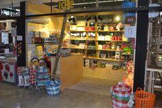 """גלריית עיצוב פנים-מסחרי: המבקשים לבנות בעיר תל אביב נתקלים לעיתים קרובות בבעיות קשות בדרכם לקבלת היתר בנייה. משרדנו """"פזית שביט אדריכלות ועיצוב"""" מתמחה בהו... Liquor Cabinet, Storage, Projects, Furniture, Home Decor, Purse Storage, Log Projects, House Bar, Store"""