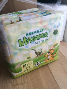 I got some of the new MyDiaper Animal diapers! ^^ MyDiaper is a german diaper brand with diapers that are a lot cheaper than other printed diapers. Their first ones were really crappy, but their new line of night time diapers are pretty decent. They have white ones, printed ones with blue sides and now also these new animal print ones.