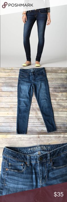 """AEO Super Skinny Jeans In good pre-loved condition. Inseam is 27.5"""", waist is 15""""(measurements taken lying flat). 69% cotton, 20%polyester, 10% viscose, 1% elastane. American Eagle Outfitters Jeans Skinny"""