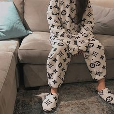 Image shared by 👩💻✨. Find images and videos about pajamas on We Heart It - the app to get lost in what you love. Pajama Outfits, Lazy Outfits, Cute Comfy Outfits, Teen Fashion Outfits, Mode Outfits, Girl Outfits, Ropa Louis Vuitton, Cute Sleepwear, Mode Style