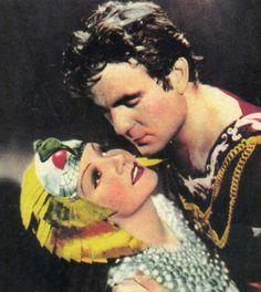 """Henry Wilcoxon y Claudette Colbert en""""Cleopatra"""", 1934"""