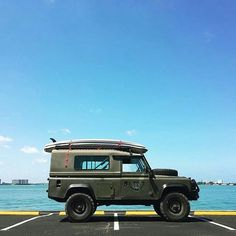 Quite a funky #Defender 110 by @1manscript #landrover #landroverphotoalbum @landrover @landrover_uk