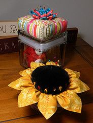 Sunflower pincushion - very cute!