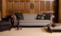 The Tetrad Harris Tweed Bowmore Sofa is inspired by Edwardian style chesterfield sofas. The plain back and piping modernise the look to suit any interior Furniture Care, Large Furniture, Dining Furniture, Home Furniture, Furniture Ideas, Vêtement Harris Tweed, Harris Tweed Fabric, Tetrad Sofa, Chesterfield Couch