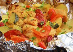 Kuřecí směs z alobalu - TopRecepty.cz Potato Salad, Chicken Recipes, Potatoes, Menu, Treats, Ethnic Recipes, Red Peppers, Menu Board Design, Sweet Like Candy