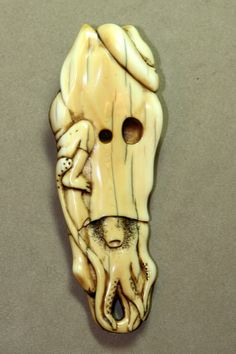 Ama and the Squid netsuke (bottom view)