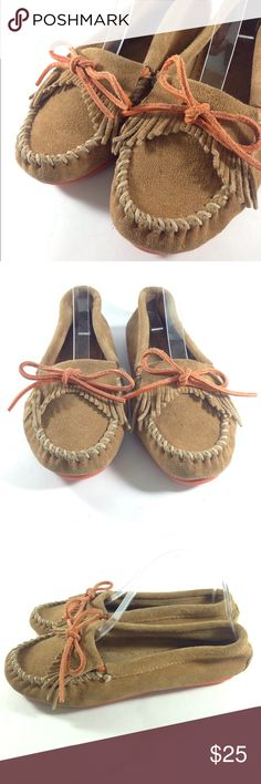 Minnetonka Moccasins Brown Orange Suede Size 6 CONDITION: Good Condition! Up for auction is this great pair of Minnetonka Brown Orange Bow Leather Moccasins  Women's Size 6 Notes This item shows some overall wear. Please see photos.These were designed to feel like you're walking on clouds! The Minnetonka Moccasin in the most comfortable high quality footwear available. Minnetonka Shoes Moccasins