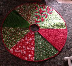 quilted tree skirt | Quilted Christmas tree skirt | Quilting, Knitting, Crochet & Sewing IN REDS