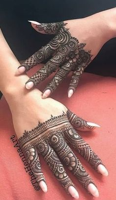 Here are some latest henna designs inspiration. Henna Hand Designs, Basic Mehndi Designs, Mehndi Designs Finger, Latest Arabic Mehndi Designs, Mehndi Designs For Girls, Mehndi Designs For Beginners, Mehndi Designs For Fingers, Henna Tattoo Designs, Dulhan Mehndi Designs
