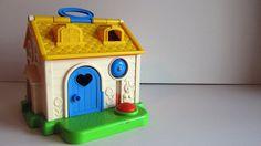 Google Image Result for http://cdn2.blogs.babble.com/family-style/files/vintage-toys/toy20.jpg
