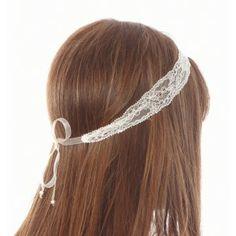 head-band dentelle - 14.50 euros -http://www.atelierdivoire.com/fr/serre-tete-et-headbands/246-headband-de-mariee-dentelle-fine.html