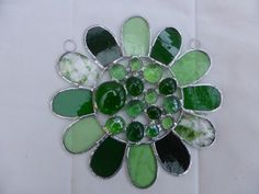 Stained Glass Bead Daisy Suncatcher - Green