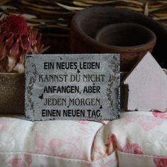 Shabby Chic Magnetholzschild - Ein neues Leben...