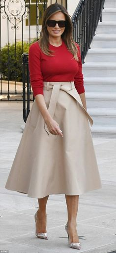 First Lady Melania Trump Milania Trump Style, Nude Skirt, Beige Skirt Outfit, Trump Photo, First Lady Melania Trump, Red Blouses, Classy Outfits, Skirt Outfits, Modest Fashion